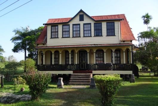 -Frederiksdorp-Suriname-plantershuis