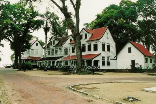 -Natuur en Avontuur - Paramaribo - Coloniale gebouwen