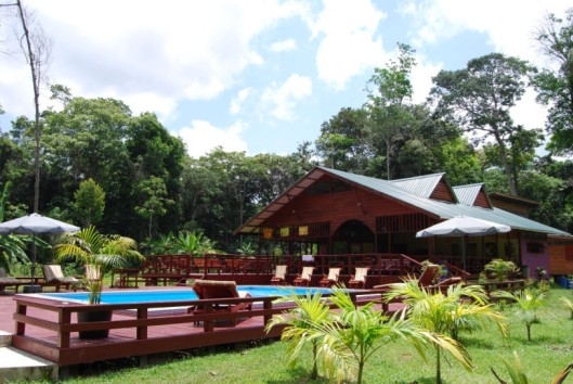 -anaula zwembad-restaurant