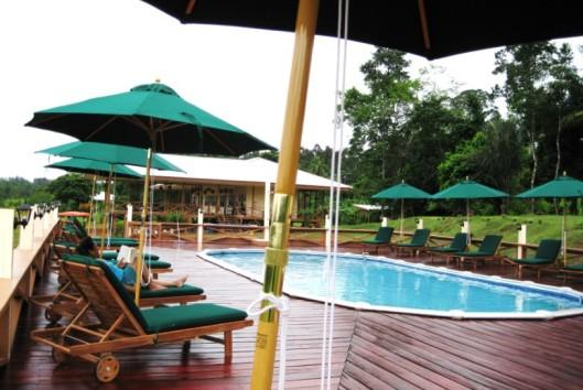 -kabalebo-nature-resort-zwembad