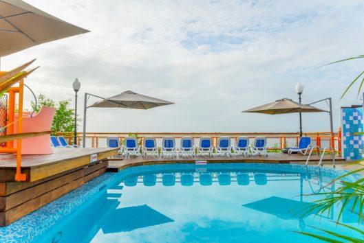 eco-resort-inn-zwembad