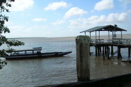 -Frederiksdorp-Suriname-steiger