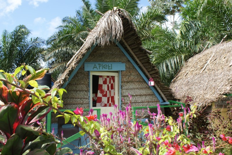 marron hut