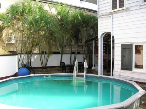 albergo alberga zwembad