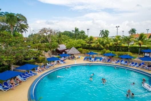 torarica hotel zwembad