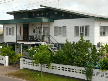 paramaribo guesthouse famiri