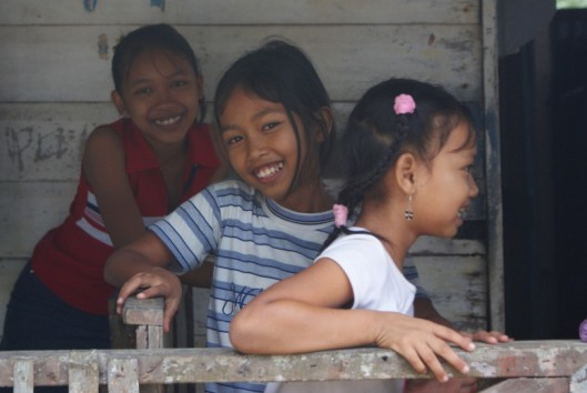 plantage peperpot javaanse meisjes