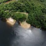 afobaka resort luchtfoto