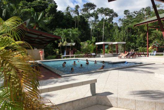 zwembad anaula nature resort