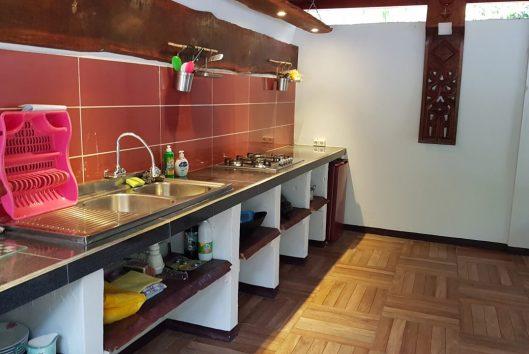 vijver lodge keuken