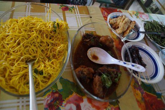 lekker eten tijdens de maratakka tour